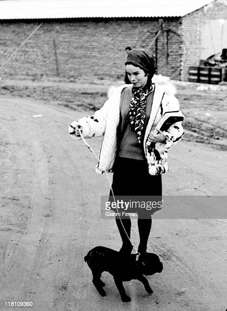 Geraldine Chaplin and his dog during a break in the filming of the movie 'Doctor Zhivago' directed by David Lean in Canillejas Madrid Spain