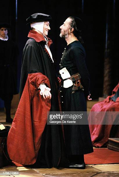 Geraldine James as Portia and Dustin Hoffman as Shylock in Peter Hall's stage production of Shakespeare's 'The Merchant of Venice' in 1989 in London...