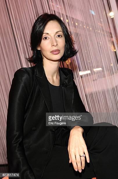 Geraldine Maillet on the set of TV show 'Ce Soir ou Jamais'