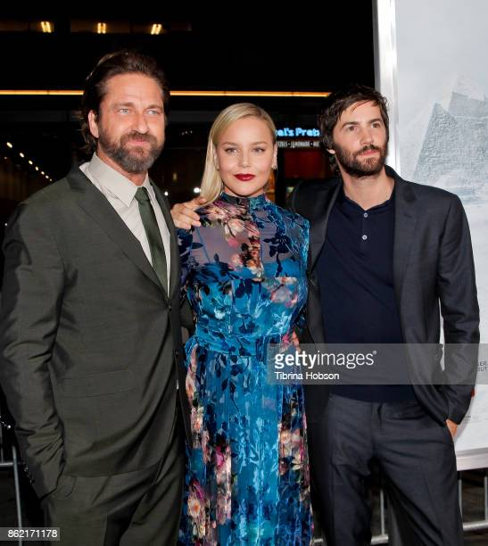 Gerard Butler Abbie Cornish and Jim Sturgess attend the premiere of Warner Bros Pictures 'Geostorm' at TCL Chinese Theatre on October 16 2017 in...