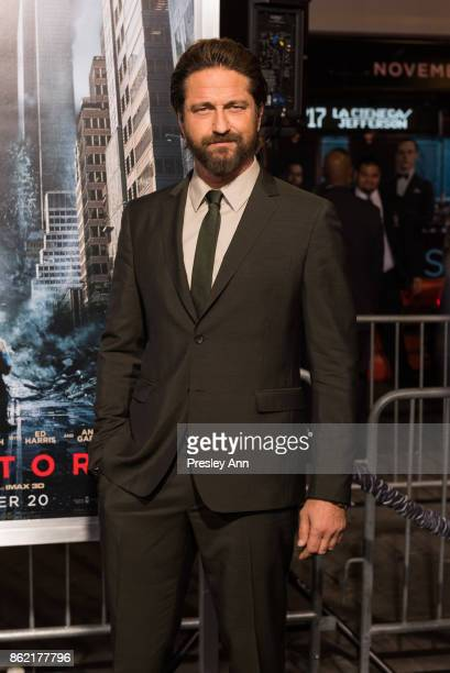 Gerard Butler attends Premiere Of Warner Bros Pictures' 'Geostorm' Arrivals at TCL Chinese Theatre on October 16 2017 in Hollywood California