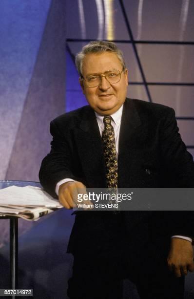 Gerard Carreyrou producteur de l'emission de television 'Le Droit de savoir' sur TF1 le 12 mars 1992 a Paris France