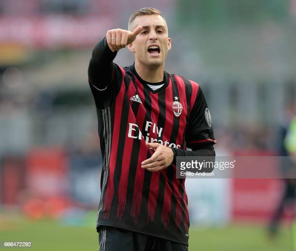 Gerard Deulofeu of AC Milan gestures during the Serie A match between AC Milan and US Citta di Palermo at Stadio Giuseppe Meazza on April 9 2017 in...