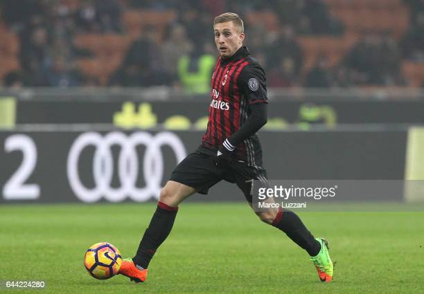 Gerard Deulofeu of AC Milan in action during the Serie A match between AC Milan and ACF Fiorentina at Stadio Giuseppe Meazza on February 19 2017 in...
