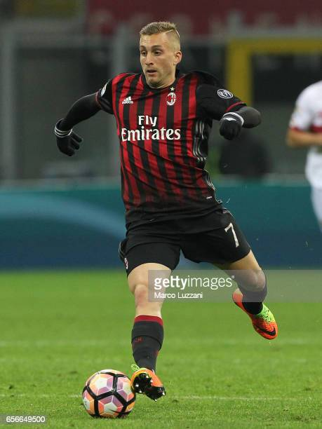 Gerard Deulofeu of AC Milan in action during the Serie A match between AC Milan and Genoa CFC at Stadio Giuseppe Meazza on March 18 2017 in Milan...