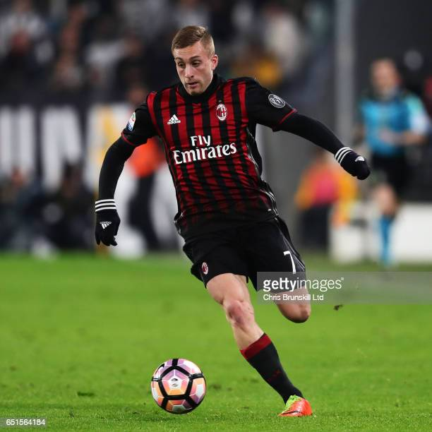 Gerard Deulofeu of AC Milan in action during the Serie A match between Juventus FC and AC Milan at Juventus Stadium on March 10 2017 in Turin Italy