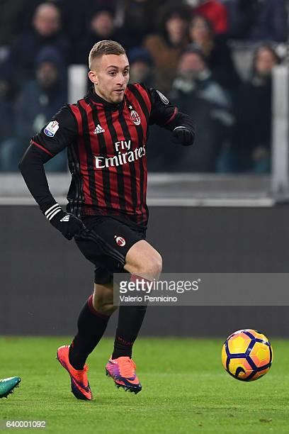 Gerard Deulofeu of AC Milan in action during the TIM Cup match between Juventus FC and AC Milan at Juventus Stadium on January 25 2017 in Turin Italy