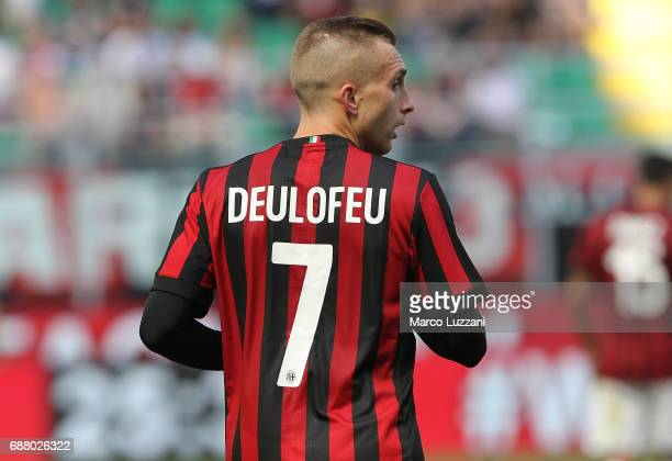 Gerard Deulofeu of AC Milan looks on during the Serie A match between AC Milan and Bologna FC at Stadio Giuseppe Meazza on May 21 2017 in Milan Italy