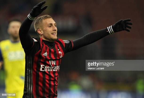 Gerard Deulofeu of AC Milan reacts during the Serie A match between AC Milan and AC ChievoVerona at Stadio Giuseppe Meazza on March 4 2017 in Milan...