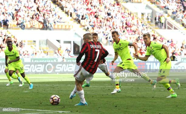 Gerard Deulofeu of AC Milan scores the opening goal during the Serie A match between AC Milan and Bologna FC at Stadio Giuseppe Meazza on May 21 2017...