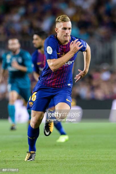 Gerard Deulofeu of Barcelona in action during the Supercopa de Espana Final 1st Leg match between FC Barcelona and Real Madrid at Camp Nou on August...