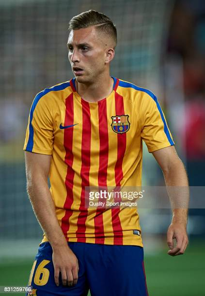 Gerard Deulofeu of Barcelona looks on during the warm up prior the Supercopa de Espana Supercopa Final 1st Leg match between FC Barcelona and Real...