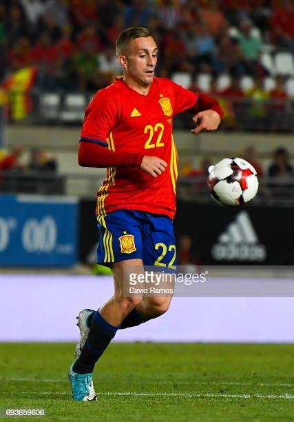 Gerard Deulofeu of Spain runs with the ball during a friendly match between Spain and Colombia at La Nueva Condomina stadium on June 7 2017 in Murcia...