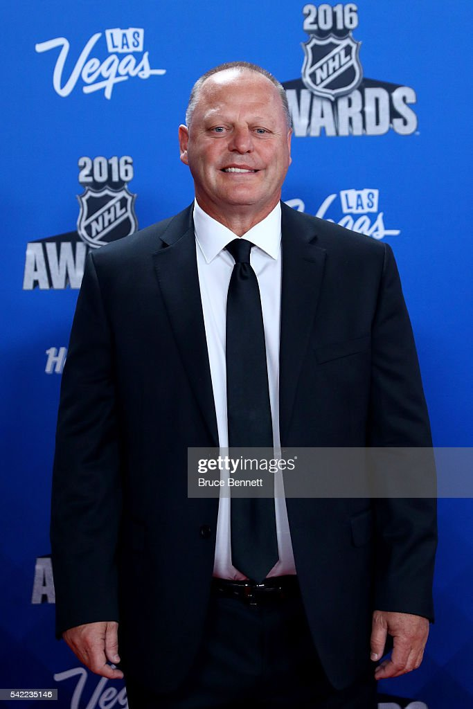 <a gi-track='captionPersonalityLinkClicked' href=/galleries/search?phrase=Gerard+Gallant&family=editorial&specificpeople=704668 ng-click='$event.stopPropagation()'>Gerard Gallant</a> of the Florida Panthers attends the 2016 NHL Awards at the Hard Rock Hotel & Casino on June 22, 2016 in Las Vegas, Nevada.