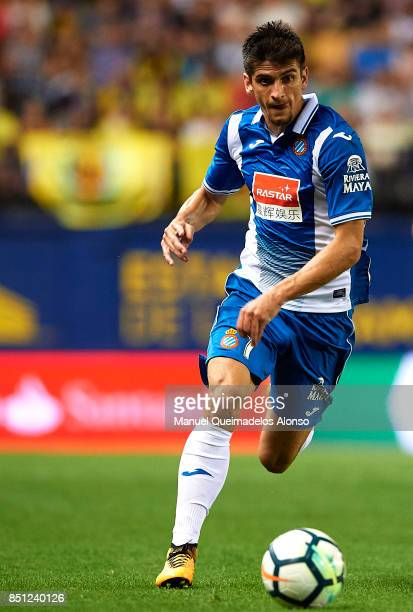 Gerard Moreno of Espanyol runs with the ball during the La Liga match between Villarreal and Espanyol at Estadio De La Ceramica on September 21 2017...