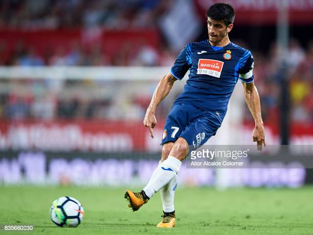 Gerard Moreno of RCD Espanyol in action during the La Liga match between Sevilla and Espanyol at Estadio Ramon Sanchez Pizjuan on August 19 2017 in...