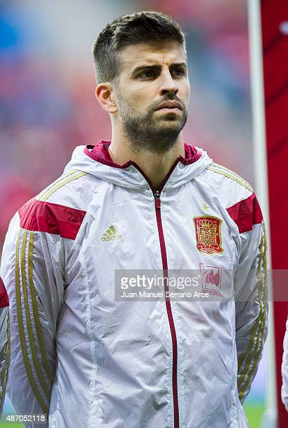 Gerard Pique of Spain looks on prior to the start the Spain v Slovakia EURO 2016 Qualifier at Carlos Tartiere on September 5 2015 in Oviedo Spain