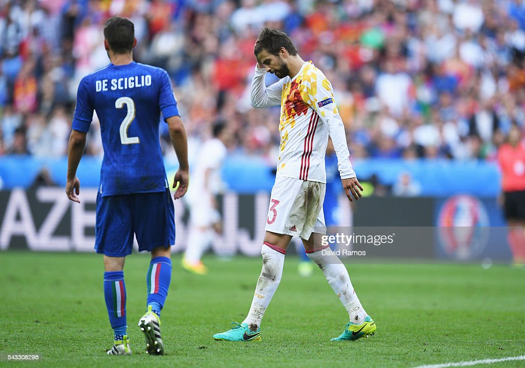 Gerard Pique of Spain reacts after missing a chance during the UEFA EURO 2016 round of 16 match between Italy and Spain at Stade de France on June 27, 2016 in Paris, France.