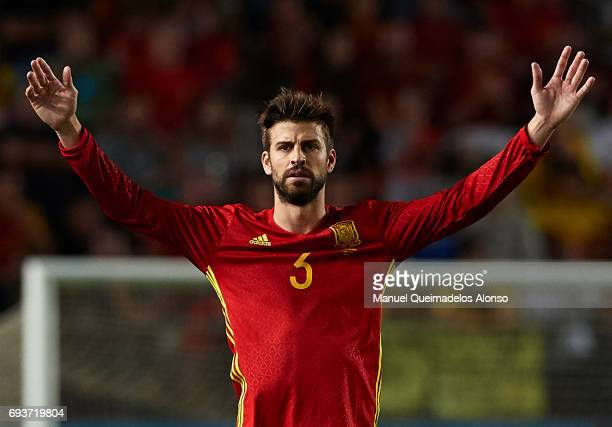 Gerard Pique of Spain reacts during the international friendly match between Spain and Colombia at Nueva Condomina Stadium on June 7 2017 in Murcia...