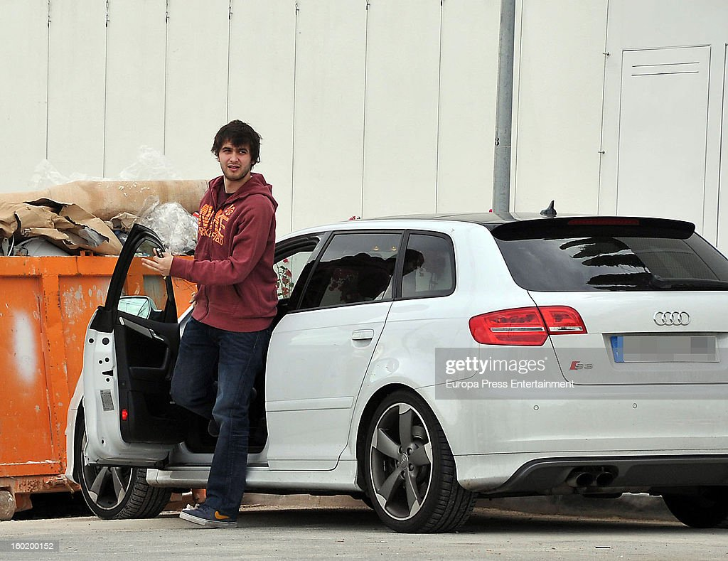 Gerard Pique's brother Joan Pique arrives at Shakira and Pique's home on January 27, 2013 in Barcelona, Spain.