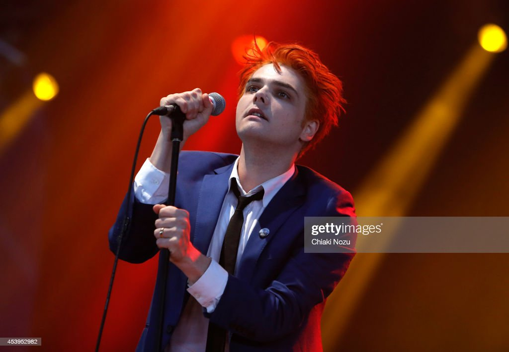 Gerard Way performs on Day 1 of the Reading Festival at Richfield ...