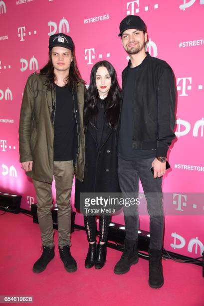 German actor and singer Jimi Blue Ochsenknecht german actor Wilson Gonzalez Ochsenknecht and Lorraine Bedros attend the Telekom Street Gigs with...