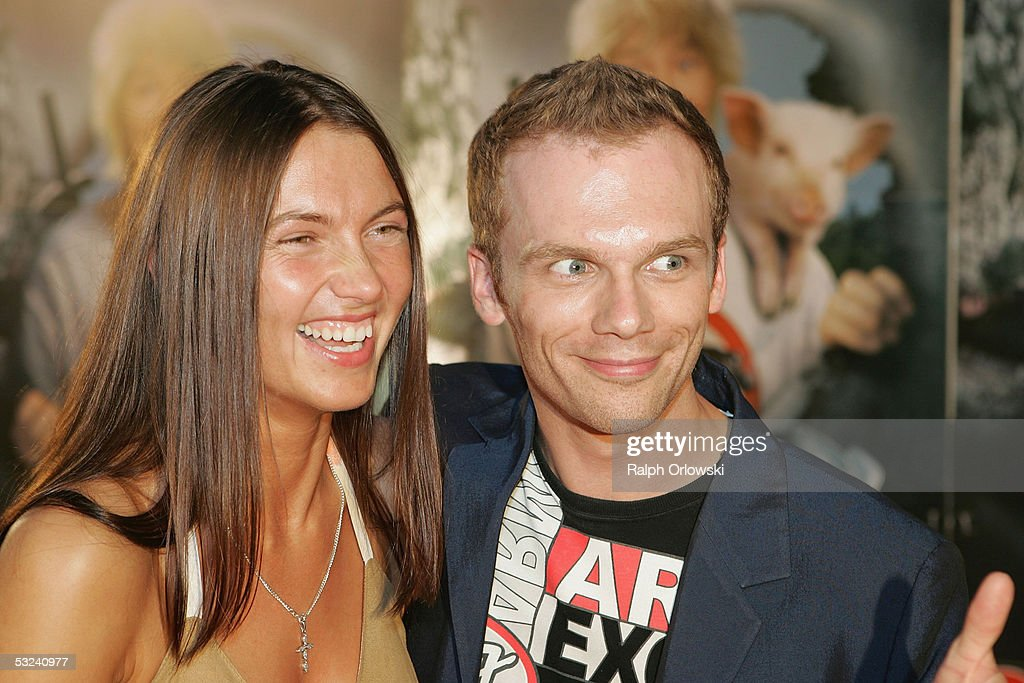 German actor Ralf Schmitz and his girlfriend Ilona attend the premiere of the film 'Siegfried' on July 14 2005 in Cologne Germany