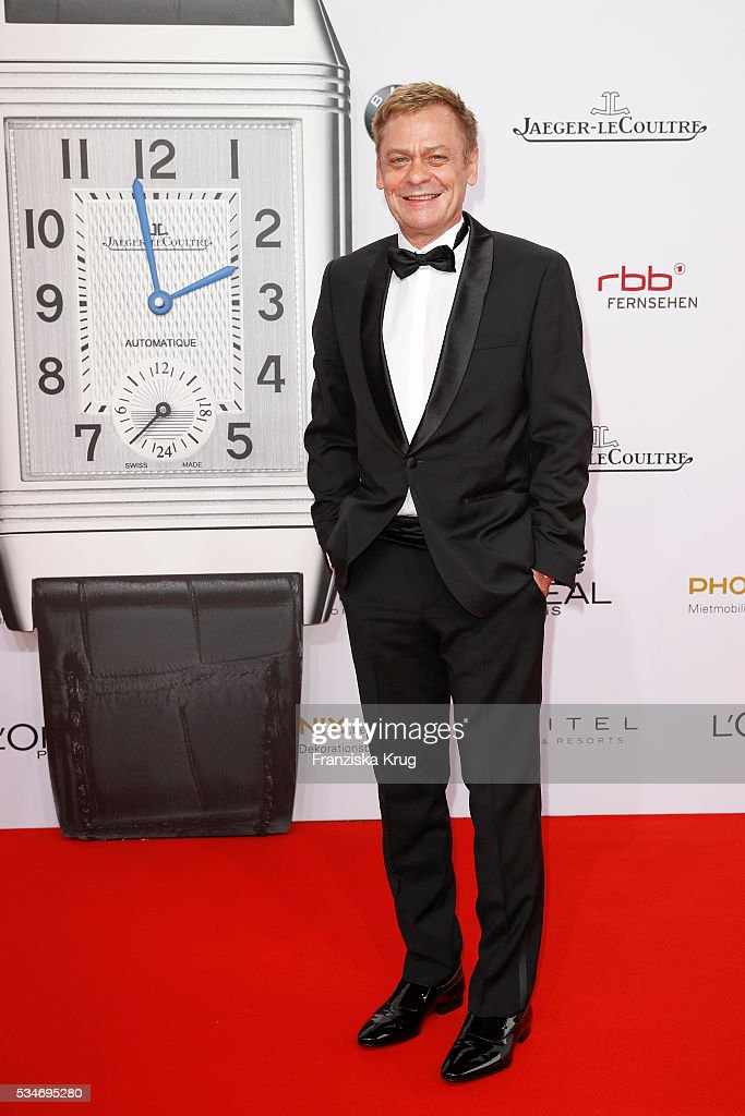 German actor <a gi-track='captionPersonalityLinkClicked' href=/galleries/search?phrase=Sylvester+Groth&family=editorial&specificpeople=4102156 ng-click='$event.stopPropagation()'>Sylvester Groth</a> during the Lola - German Film Award (Deutscher Filmpreis) 2016 on May 27, 2016 in Berlin, Germany.