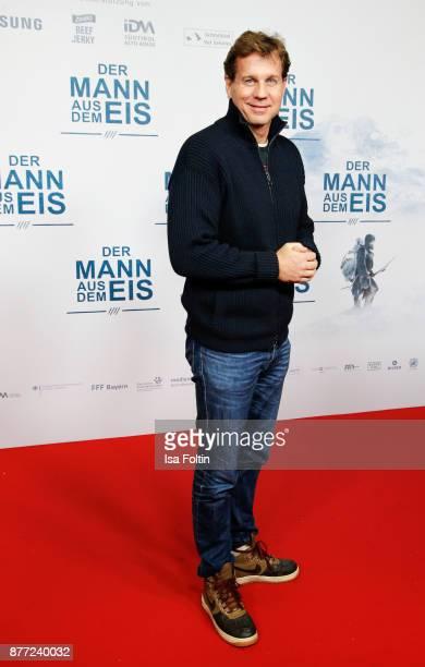 German actor Thomas Heinze attends the premiere of 'Der Mann aus dem Eis' at Zoo Palast on November 21 2017 in Berlin Germany