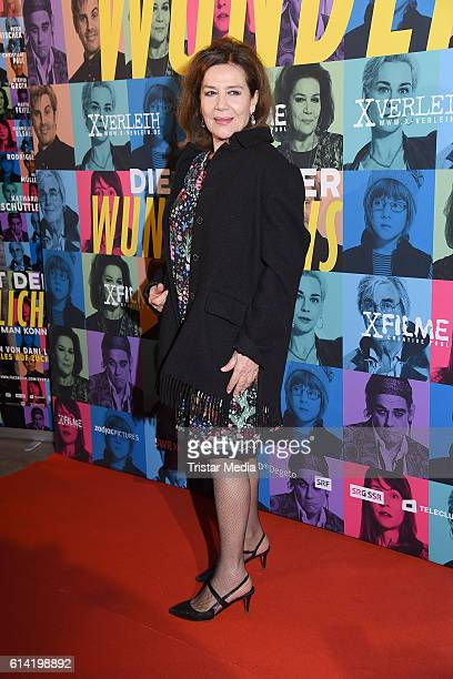 German actress Hannelore Elsner attends the Berlin premiere of the film 'Die Welt der Wunderlichs' at Kant Kino on October 12 2016 in Berlin Germany
