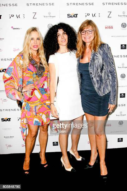German actress Xenia Seeberg Janine White and German actress Maren Gilzer during the host of Annabelle Mandengs Ladies Dinner at Hotel Zoo on July 2...