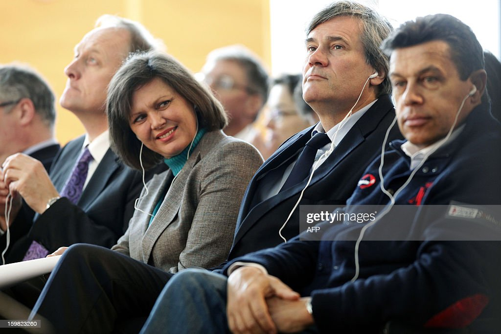 German Agriculture Minister Ilse Aigner (3rd L) and her French counterpart Stephane Le Foll (2nd R) attend a workshop for young adults of both nations during the Gruene Woche (Green Week) as part of the celebration of the 50th anniversary of the Elysee treaty, at the exhibition grounds in Berlin, Germany on January 21, 2013.