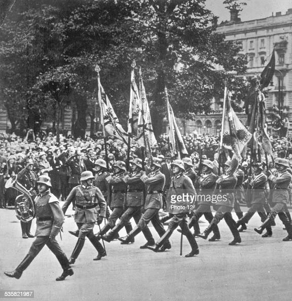 German army parading in Paris under the Occupation World War II