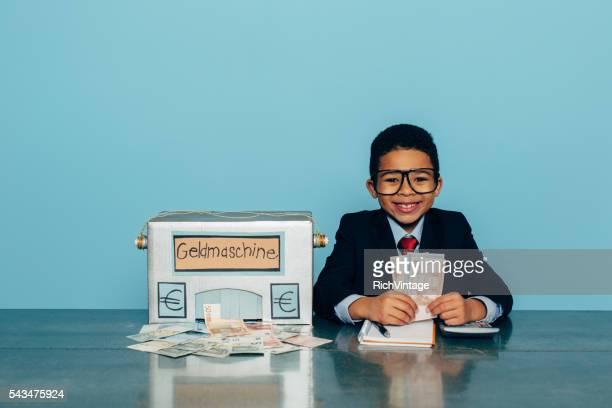ドイツビジネス少年はユーロ、マネー機