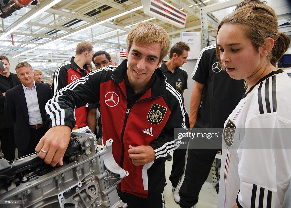 German National Team Visits Mercedes-Benz Engine Factory