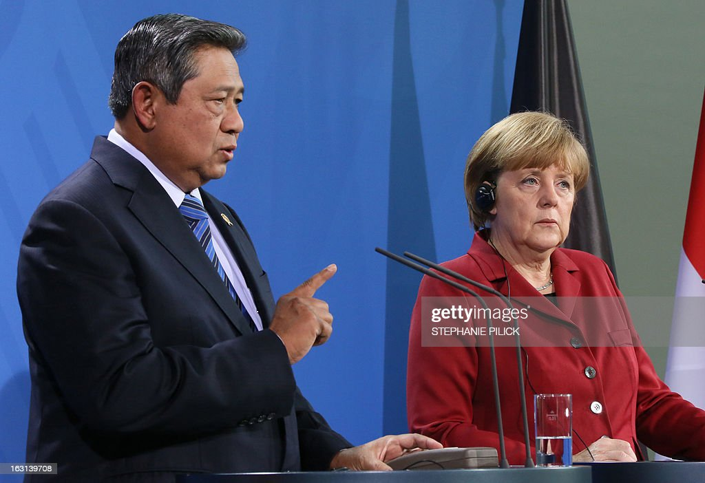 German Chancellor Angela Merkel and Indonesian President Susilo Bambang Yudhoyono give a press conference on March 5, 2013 in Berlin to open the ITB Berlin international travel trade show. Indonesia is this year's partner country of the fair running until March 10, 2013.