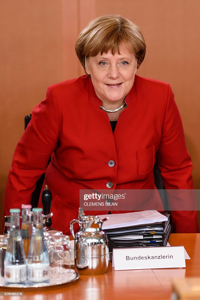 German Chancellor Angela Merkel arrives for the weekly cabinet meeting at the Federal Chancellery in Berlin, on May 4, 2016. / AFP / CLEMENS