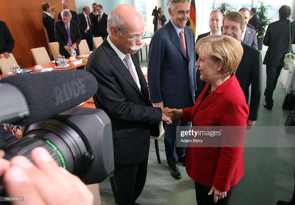 Merkel Hosts Electro-Mobility Summit