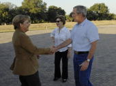 German Chancellor Angela Merkel Laura Bush and US President George W Bush arrive on his ranch November 9 2007 outside Crawford Texas The leaders are...