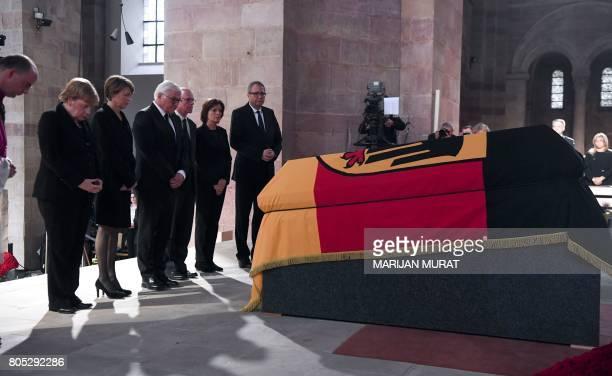 German Chancellor Angela Merkel the wife of German President Elke Buedenbender German President FrankWalter Steinmeier the Bundestag President...