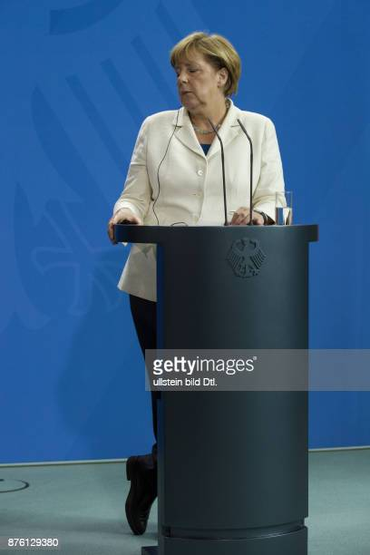 German Chancellor Angela Merkel welcomes the President of Turkmenistan Gurbanguly_Berdimuhamedov on August 29 2016 at the Federal Chancellery After a...