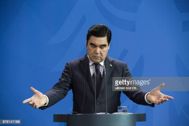 German Chancellor Angela_Merkel welcomes the President of Turkmenistan Gurbanguly Berdimuhamedov on August 29 2016 at the Federal Chancellery After a...