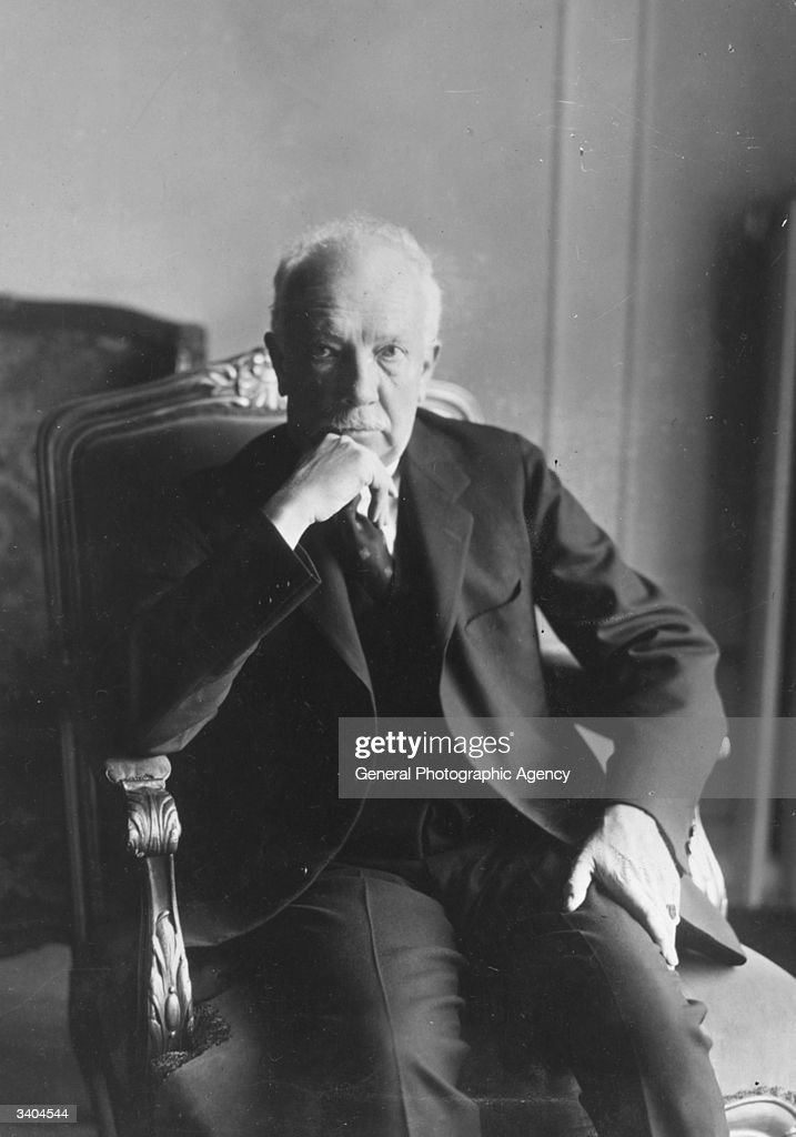 German classical composer and conductor <a gi-track='captionPersonalityLinkClicked' href=/galleries/search?phrase=Richard+Strauss+-+Composer&family=editorial&specificpeople=239044 ng-click='$event.stopPropagation()'>Richard Strauss</a> (1864 - 1949) in London.