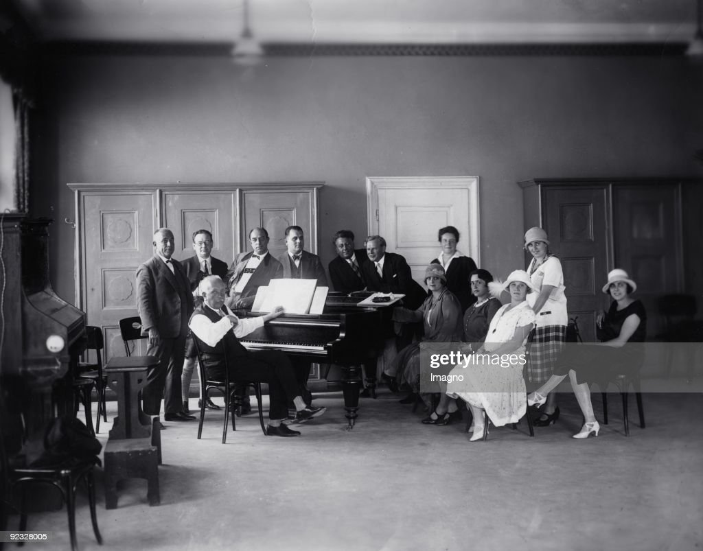 German composer <a gi-track='captionPersonalityLinkClicked' href=/galleries/search?phrase=Richard+Strauss+-+Composer&family=editorial&specificpeople=239044 ng-click='$event.stopPropagation()'>Richard Strauss</a> at the rehearsal for 'Ariadne auf Naxos' (Ariadne On Naxos). Salzburg Festival. Photograph. 1926