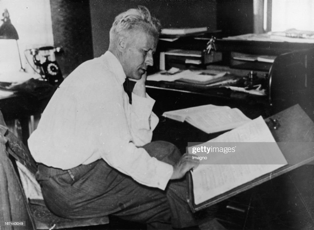 German conductor and composer Franz von Hoeßlin. About 1935. Photograph. (Photo by Imagno/Getty Images) Der deutsche Dirigent und Komponist Franz von Hoeßlin. Um 1935. Photographie.