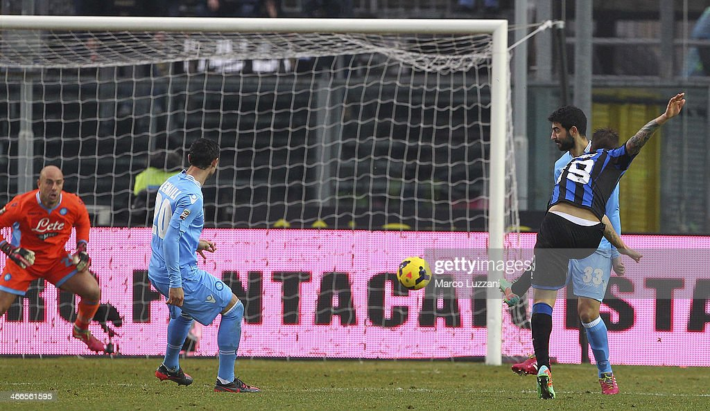 <a gi-track='captionPersonalityLinkClicked' href=/galleries/search?phrase=German+Denis&family=editorial&specificpeople=4609854 ng-click='$event.stopPropagation()'>German Denis</a> (R) of Atalanta BC scores the opening goal during the Serie A match between Atalanta BC and SSC Napoli at Stadio Atleti Azzurri d'Italia on February 2, 2014 in Bergamo, Italy.