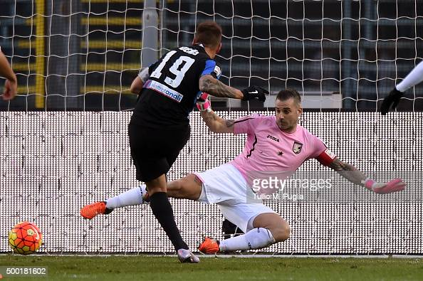 German Denis of Atalanta scores the opening goal during the Serie A match between Atalanta BC and US Citta di Palermo at Stadio Atleti Azzurri...