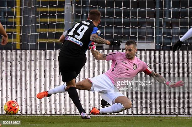 German Denis of Atalanta scores the opening goal during the Serie A match between Atalanta BC and US Citta di Palermo at Stadio Atleti Azzurri...