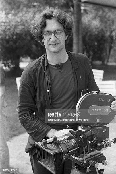 German director Wim Wenders portrayed with his camera at Lido for the Movie festival Venice 1982