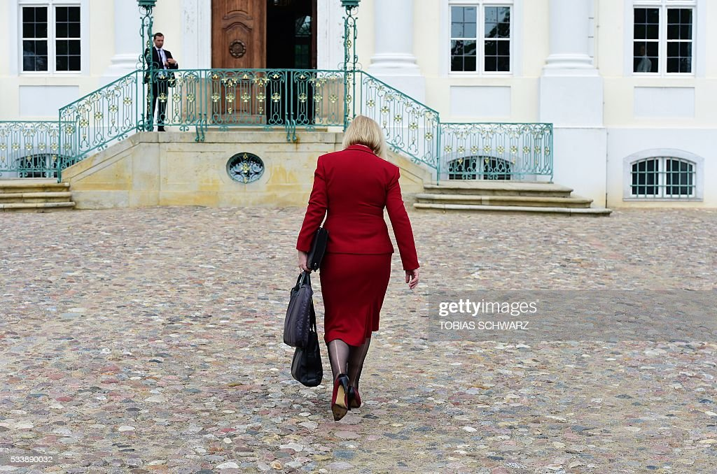 German Education and Research Minister Johanna Wanka arrives at Meseberg Palace for a closed meeting of the German cabinet on May 24, 2016 in Meseberg, northeastern Germany. / AFP / TOBIAS